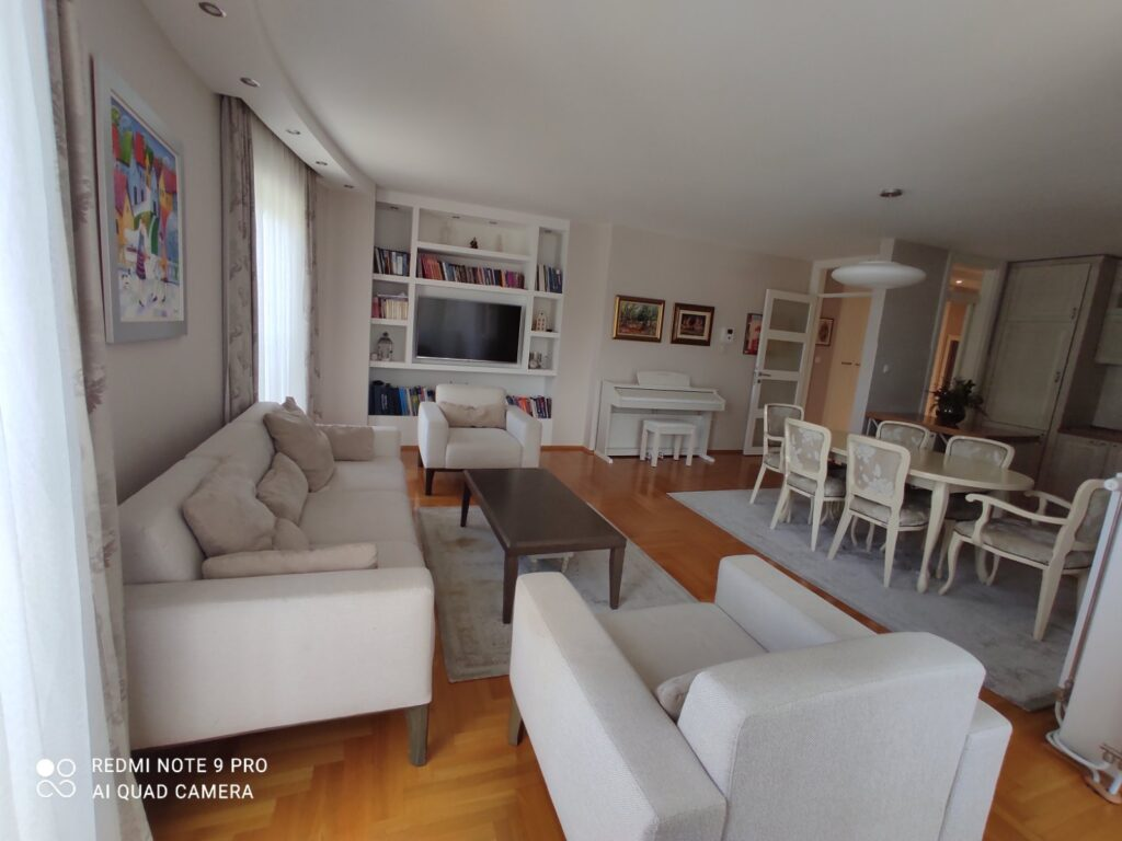Prodaja luksuzan stan Banja Luka Bulevar